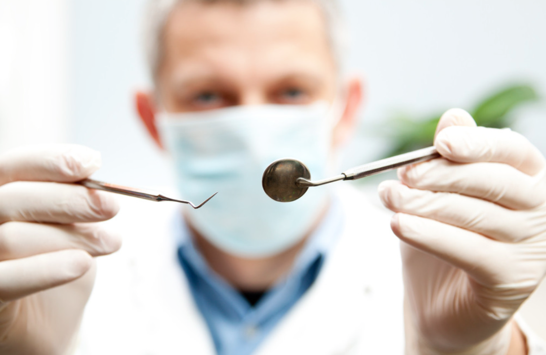Imagem da notícia: Dentists who graduated less than 10 years ago face a new professional reality