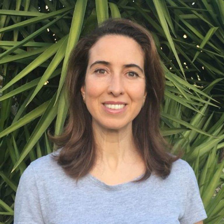 Imagem da notícia: 1st IHAS features dentist Anabela Peres de Sousa